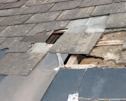 Damaged Slate Roof Needs Repair